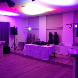 Setup Soundsystem & Lighting set small DJ WLM